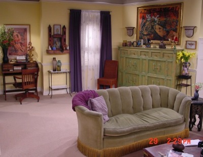 Phoebes-apartment-on-the-TV-show-Friends-2